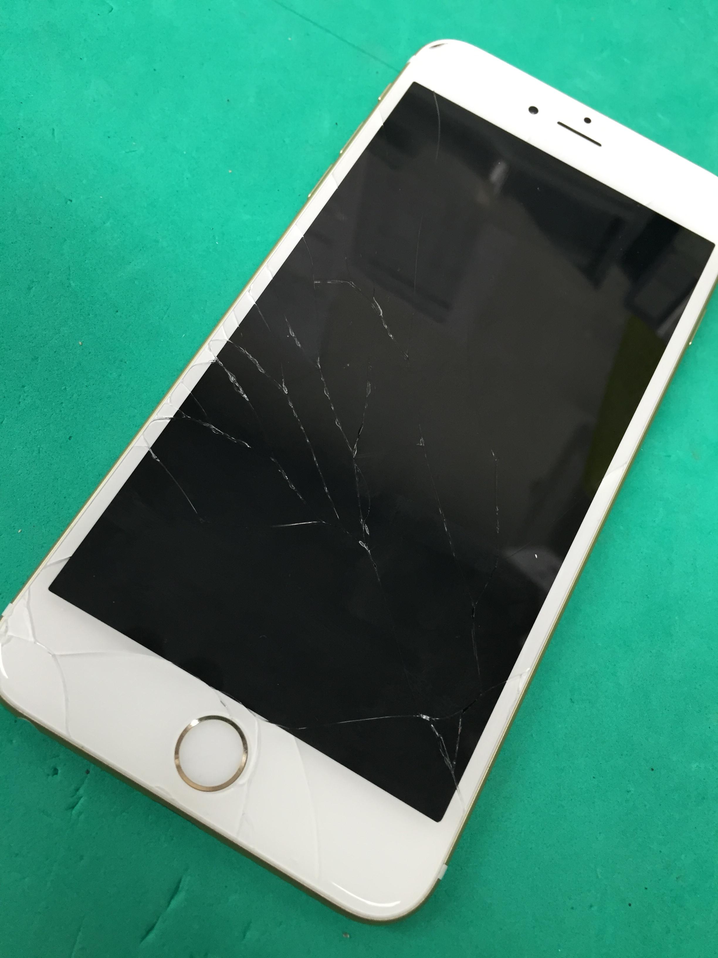 iPhoneの画面が割れてしまう前の事前防止を!!